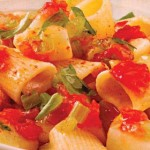 Pasta with potatoes and tomatoes