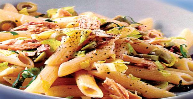 Pasta with tuna and celery
