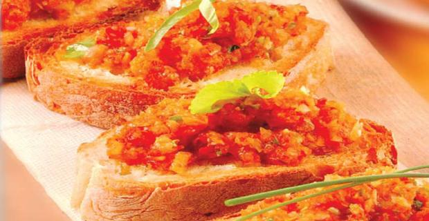Toasted bread with marinated vegetables