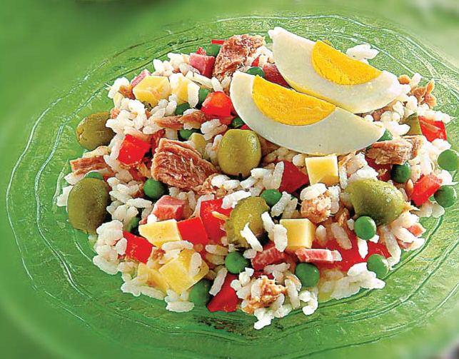 Rice sald with peas and tuna
